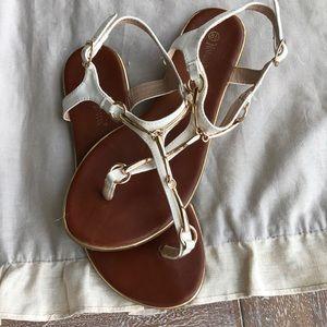 🆕White/ Gold horse-bit Sandals